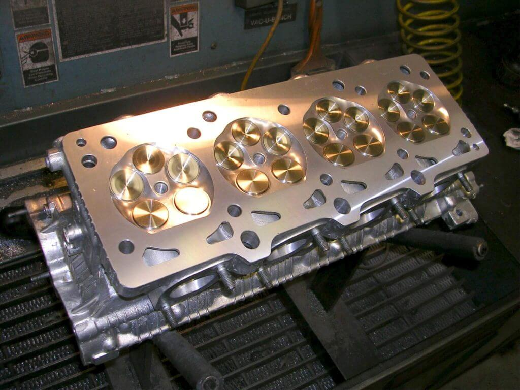 Louthan Competition - Cylinder Heads | Ferrari